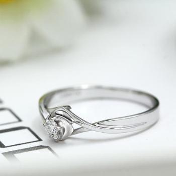 铂金pt950南非钻石戒指女花型交叉求婚钻戒结婚礼物配证书