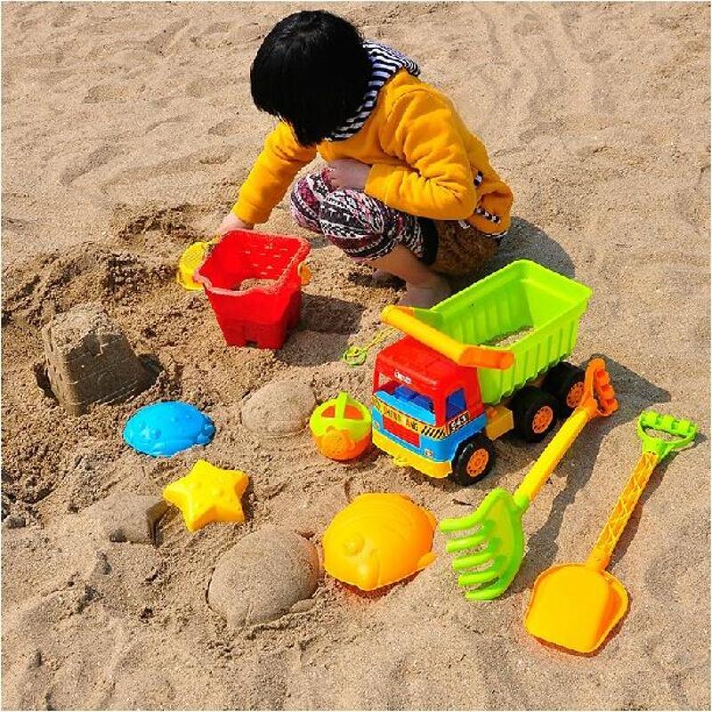 儿童玩沙矢量图