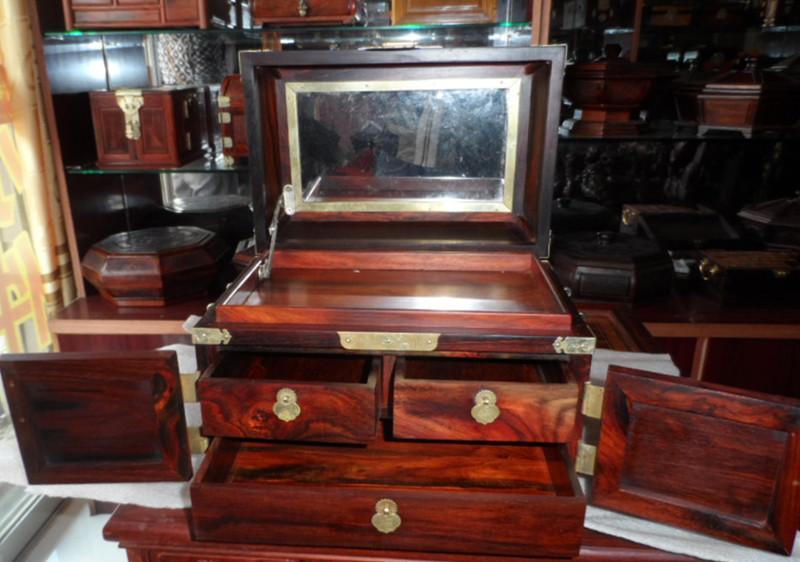 老挝大红酸枝全独板榫卯工艺首饰收纳盒嫦娥奔月化妆