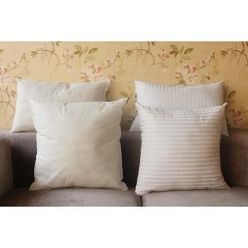 本白二维PP棉枕芯无纺布、涤布抱枕枕芯真空压缩包装/个
