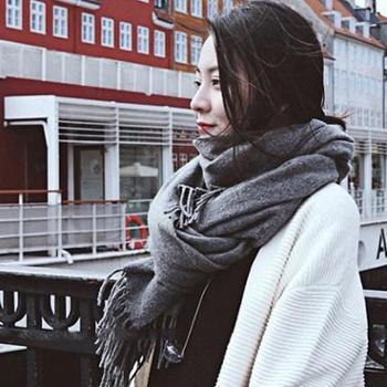 秋冬新款韩版仿羊绒围巾流苏纯色女士披肩保暖围脖