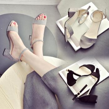 2017新款一字扣带露趾凉鞋女夏中跟韩版时尚防滑女鞋罗马高跟鞋女