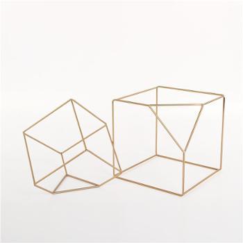 *现代摆件简约客厅摆设装饰办公室金属工艺品北欧风抽象几何